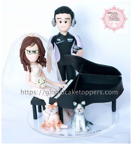 Pianist Bride with music loving groom cake topper